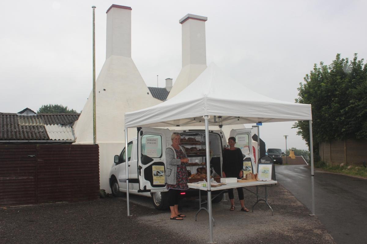 Frühstücks-Hygge im Regen: Mobiler Bäckerwagen in Sømarken